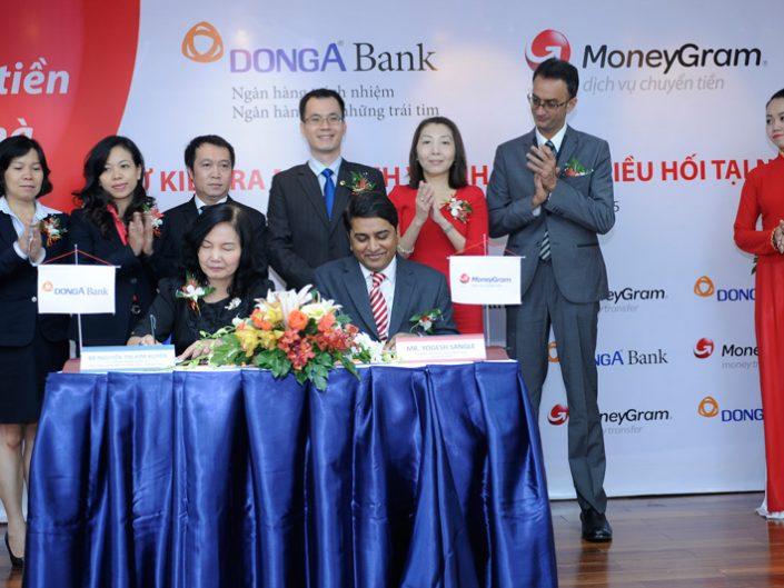 Đông Á Bank – Ra mắt dịch vụ chi trả kiều hối tại nhà